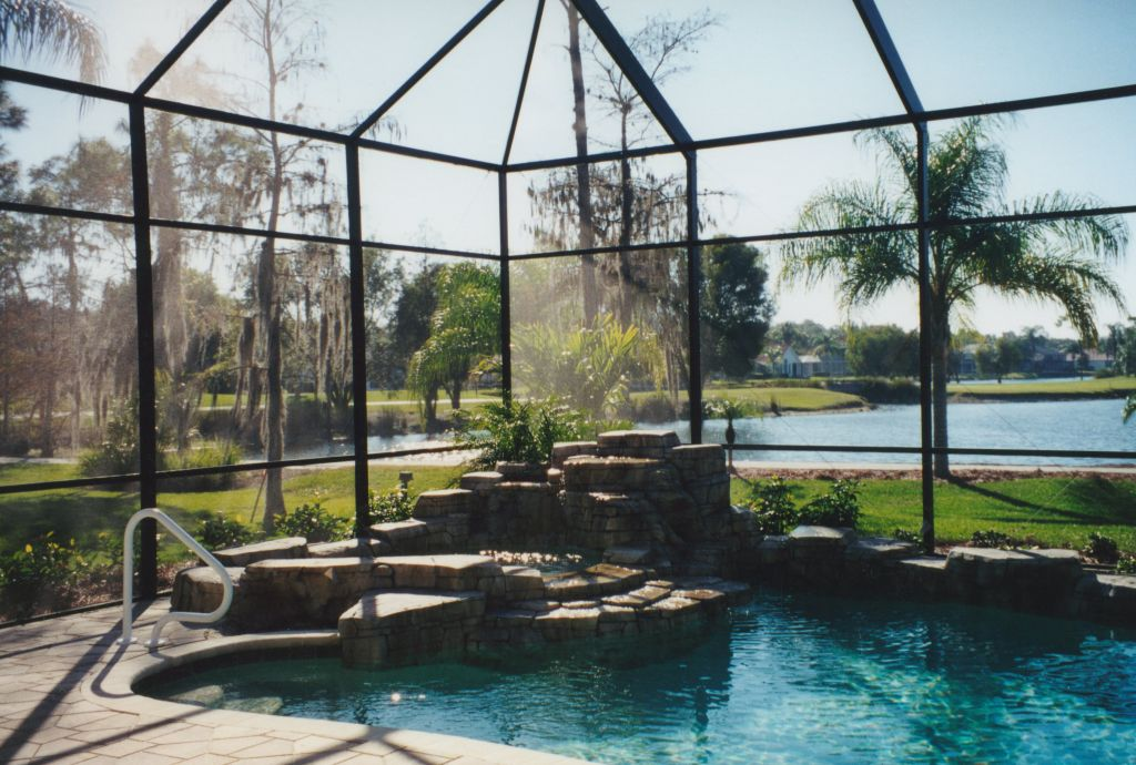 Water feature swimming pool remodel
